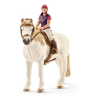 Наездница с лошадью