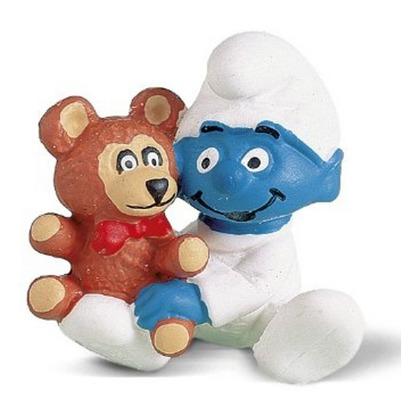 Крошка смурф с медвежонком
