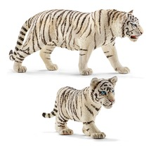 Семейство белых тигров