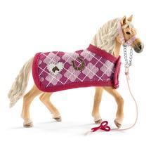 Андалузская лошадь с аксессуарами