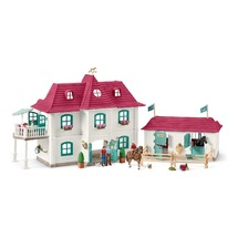 Конный двор с домом и конюшней