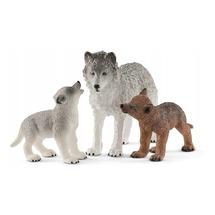 Самка волка с волчатами (уценка)